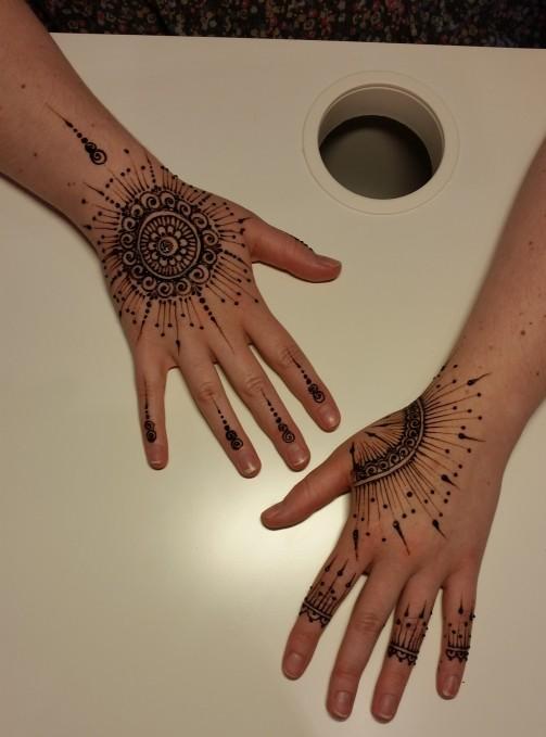 Tatouage henné La Main de fée