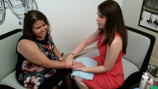 Atelier esthétique avec massage de la main